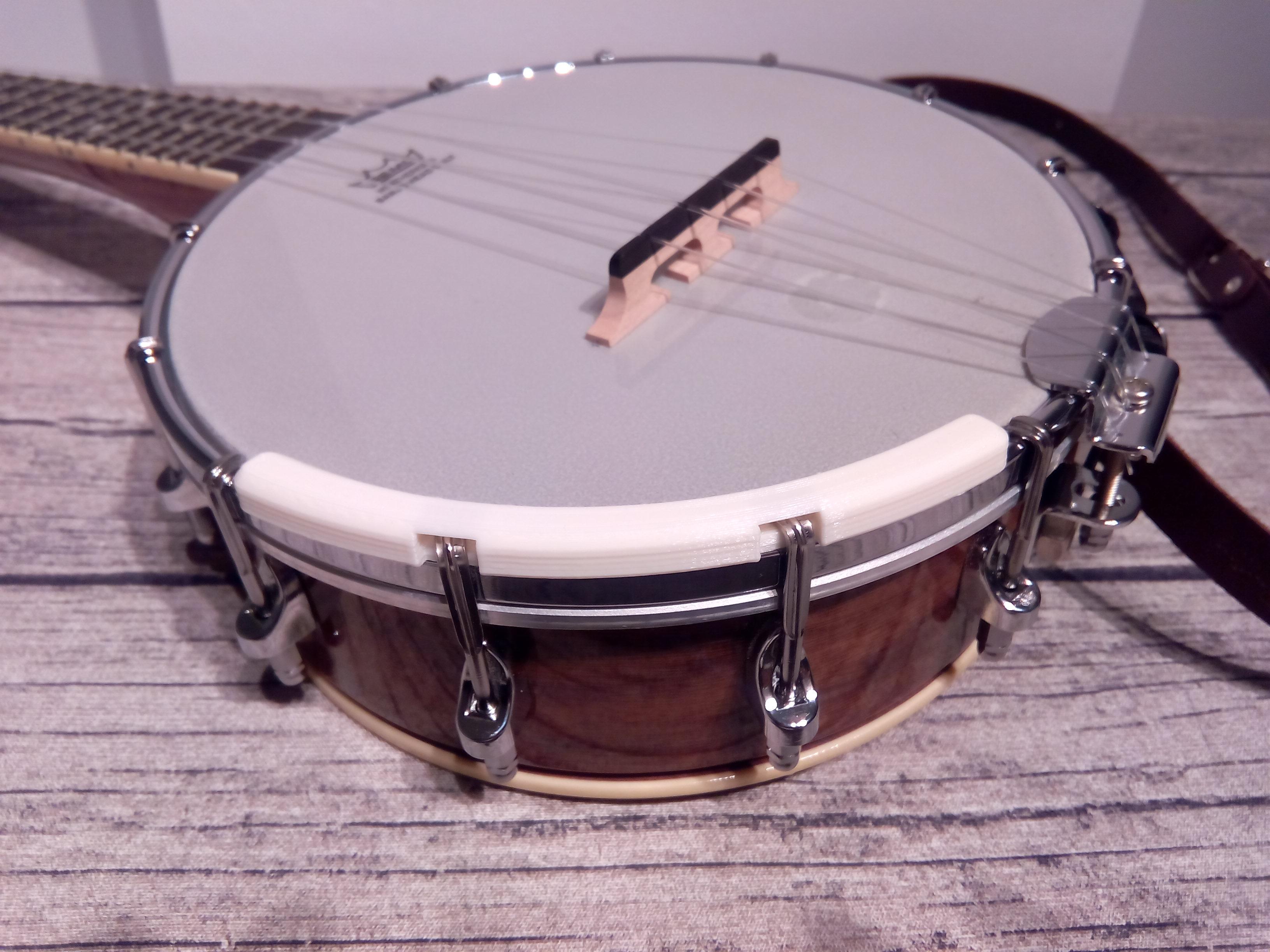 Banjolele / Banjo-Ukulele Armrest by FigaflorsiBraves